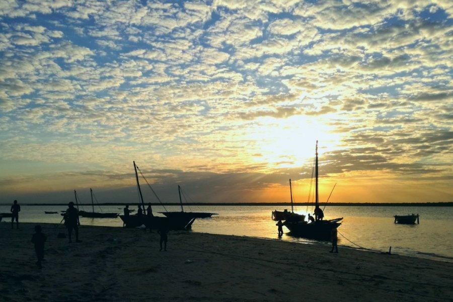 Coucher de soleil sur le petit port de Quirimba. (© Elisa Vallon))