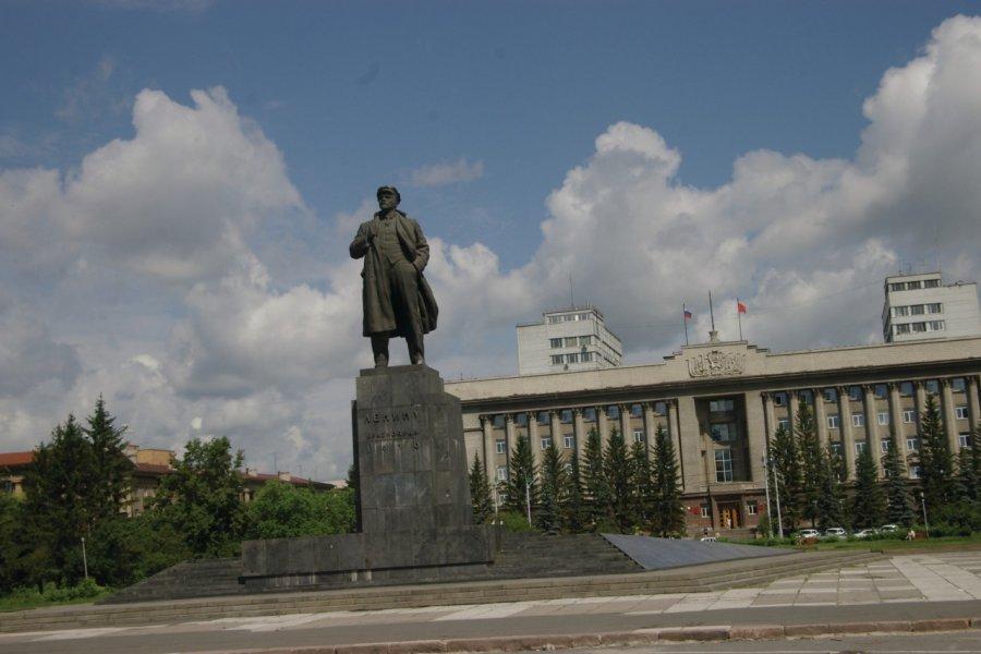 Statue de Lénine à Krasnoïarsk (© Stéphan SZEREMETA))