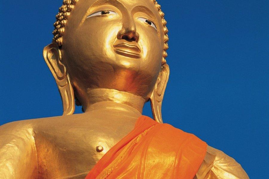 Bouddha doré dans un temple de Pattaya. (© Cali - Iconotec))