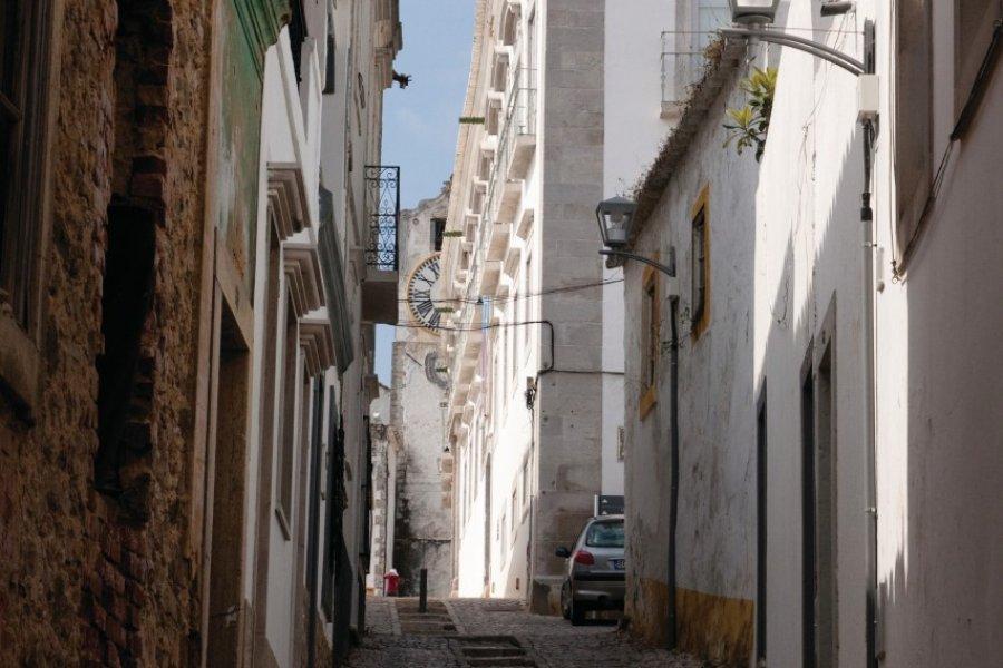 Rue à Tavira. (© Maxence Gorréguès))