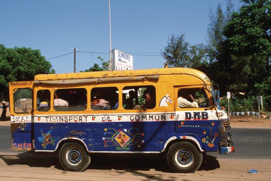 Autobus à Dakar. (© Author's Image))