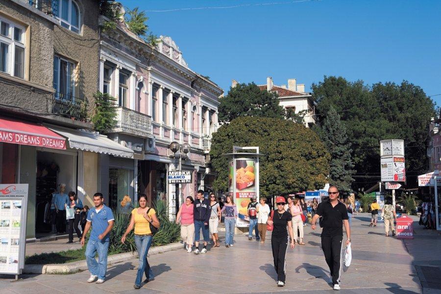 Rue piétonne de Varna. (© Author's Image))
