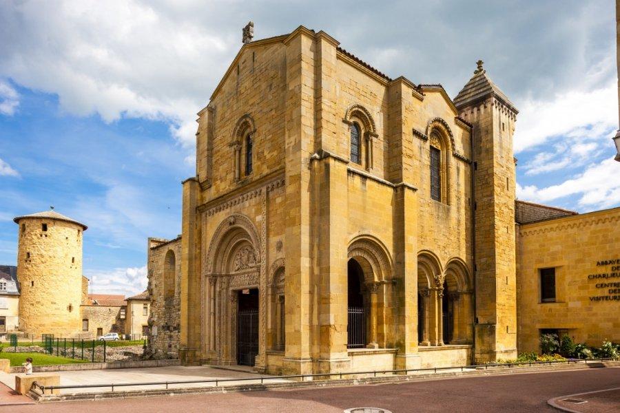 Abbaye de Charlieu. (© PHB.cz - Fotolia))