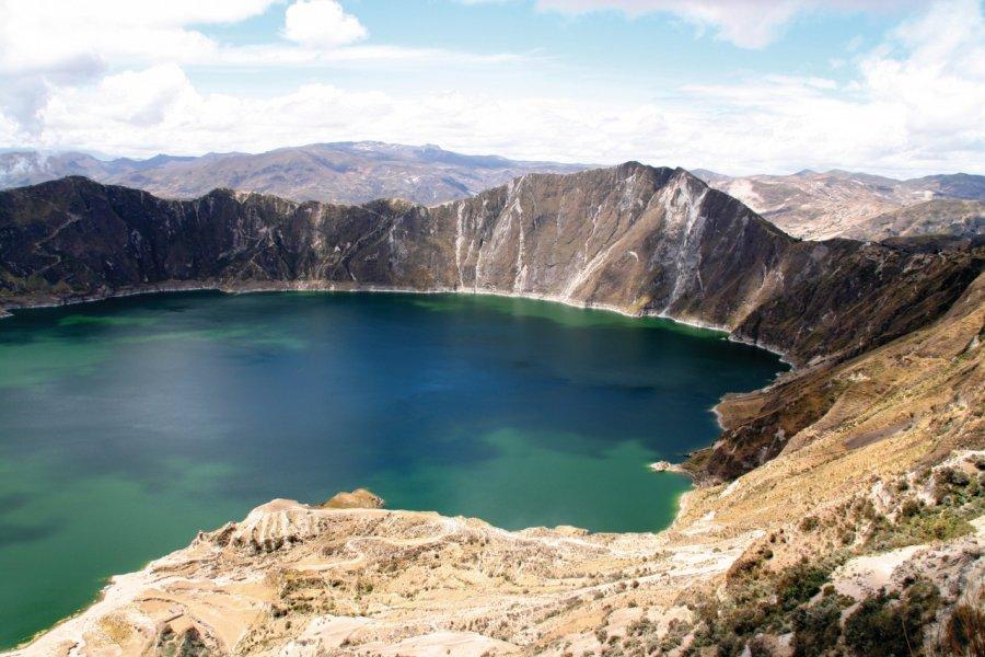 La vue sur la lagune de Quilotoa surprend tous les voyageurs venus à sa rencontre. (© Stéphan SZEREMETA))