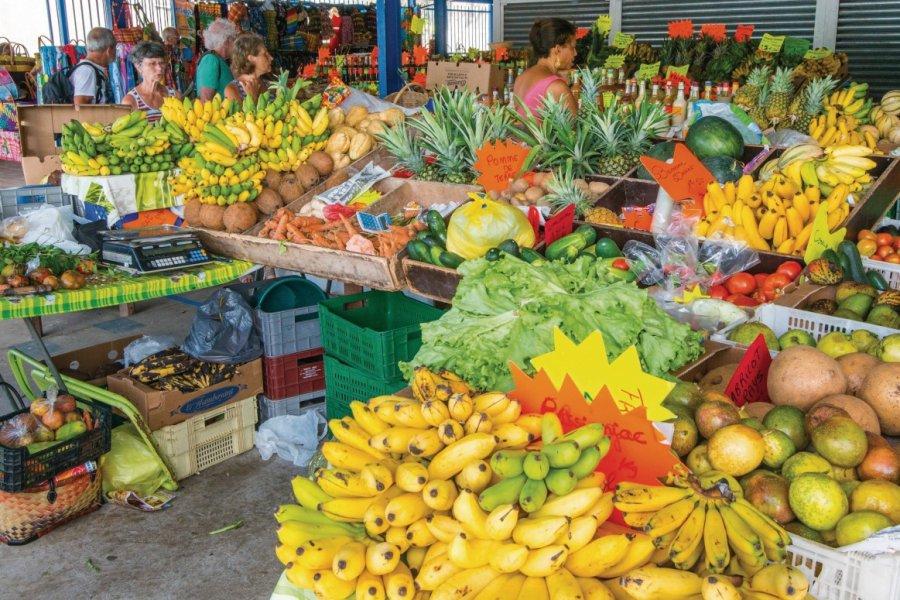 Etal de fruits au marche (© JC DUSANTER))