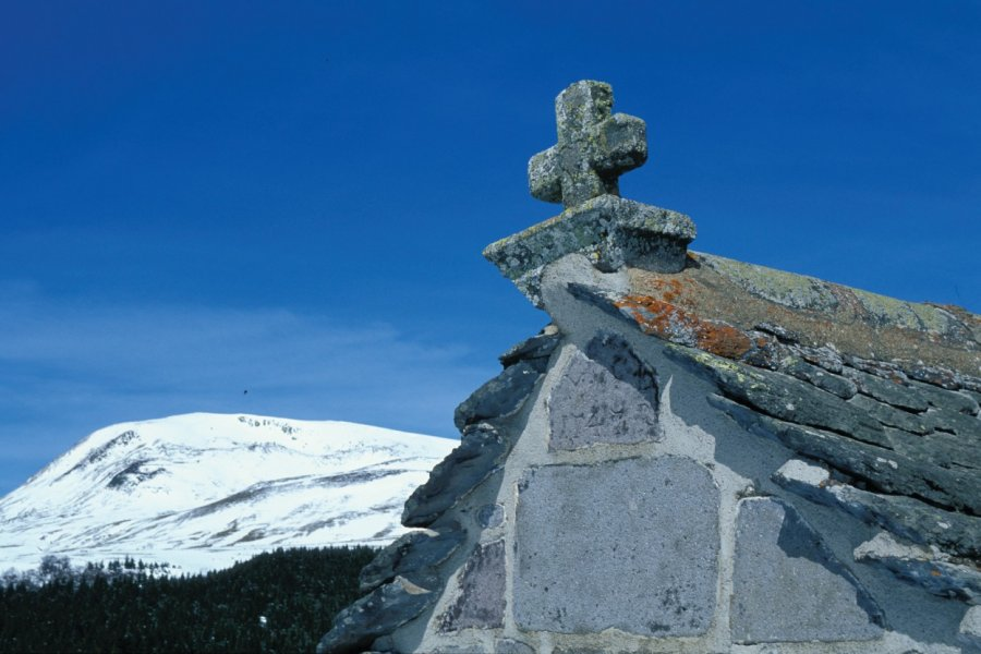 Chapelle dans la montagne (© PIERRE DELAGUERARD - ICONOTEC))