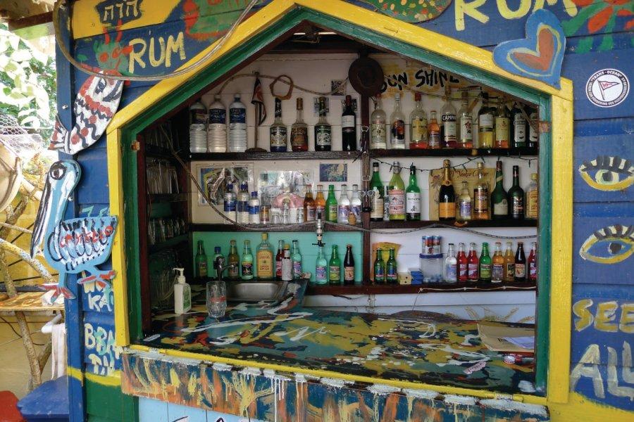 Bar typique à Union Island. (© Jean Charles Dusanter))