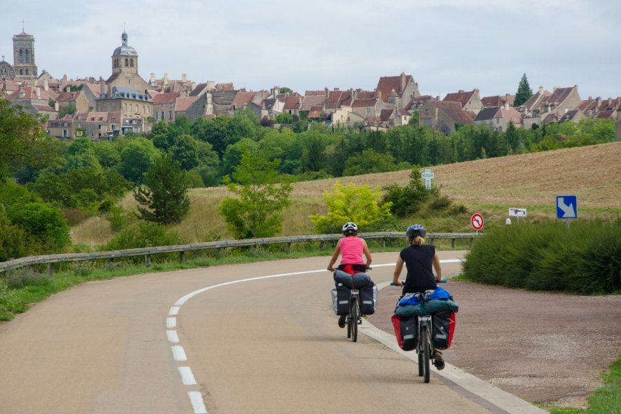 Balade à vélo vers Vézelay. (© Michal Szymanski - Shutterstock.com))