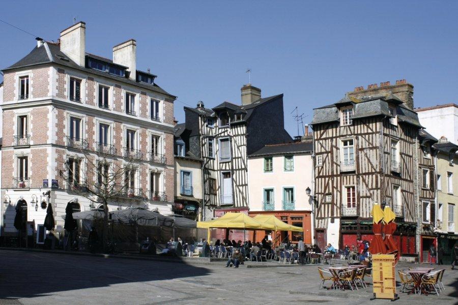 La rue Saint-Michel. (© Monregard - Fotolia))