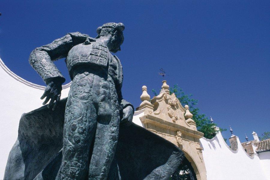 Statue du matador Ordoñez sur la plaza de Toros. (© Maria D'Amore - Iconotec))
