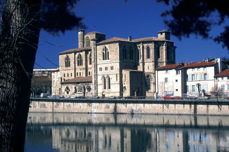 La collégiale Saint-Barnard à Romans-sur-Isère (© PHOVOIR))