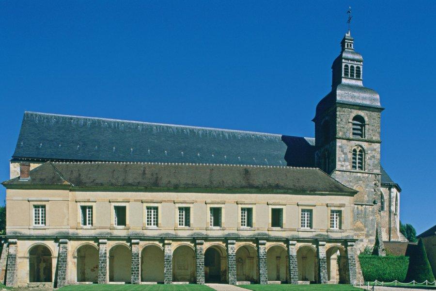 Abbaye où le frère Dom Perignon inventa le champagne (© S. REMAIN - ICONOTEC))