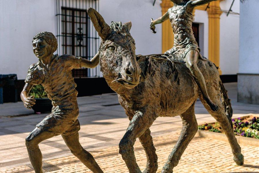 Sculpture de l'artiste Pedro Requejo Novoa en hommage à Juan Ramon Jimenez et son livre Platero y yo, à Moguer. (© Lux Blue - shutterstock.com))