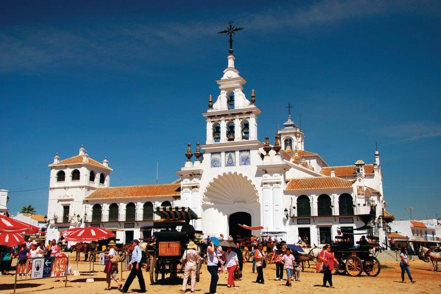 La romería del Rocío devant le sanctuaire del Rocío. (© Silvia B. Jakiello -shutterstock.com))