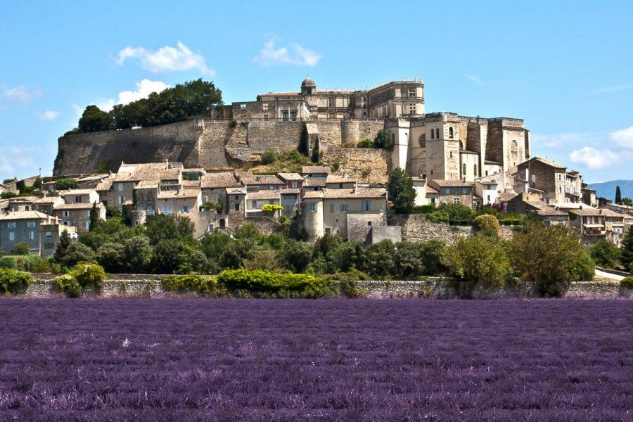 Grignan, villge de la Drôme provençale. (© Alexi TAUZIN - Fotolia))