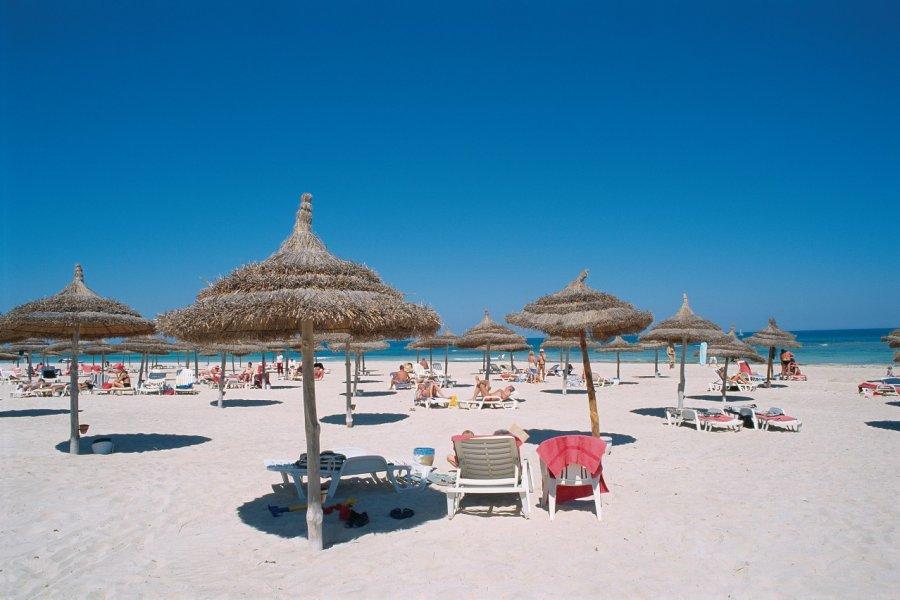 Zone touristique, plage de Sidi Mahrez. (© Author's Image))