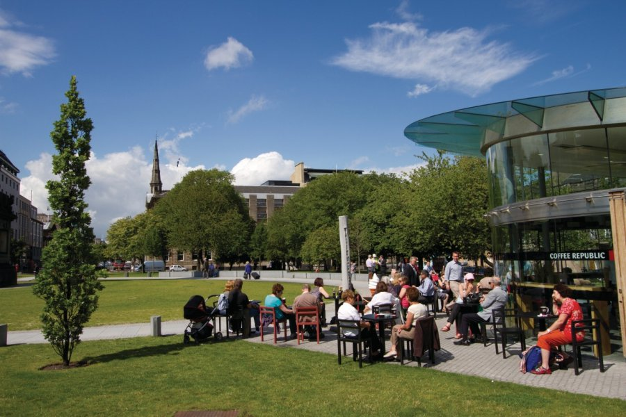 St Andrew Square. (© Lawrence BANAHAN - Author's Image))