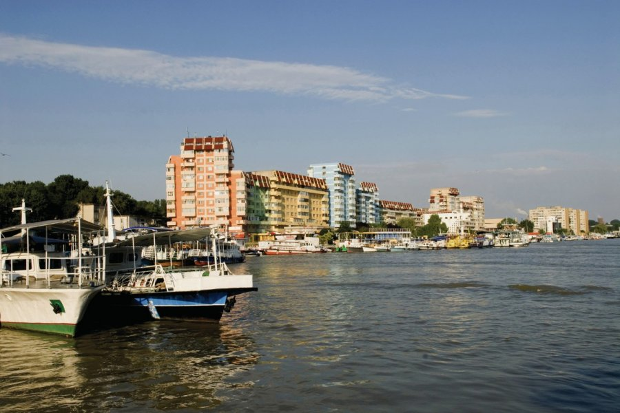 Port sur le Danube. (© Alamer - Iconotec))