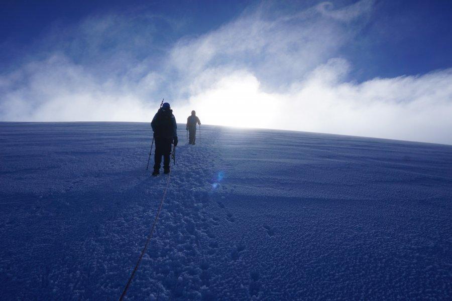 Volcan Nevado del Tolima, arrivée au sommet (5215 m). (© Paramo Trek))