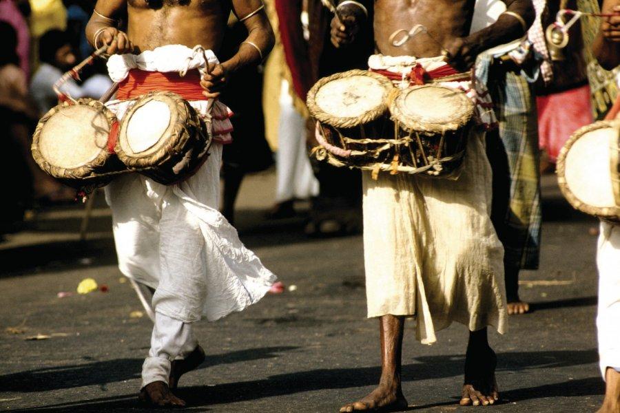 Procession lors de la fête de la Perahera (© Alamer - Iconotec))