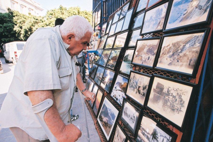 Exposition de photos place Gueydon à Bejaïa. (© Sébastien CAILLEUX))