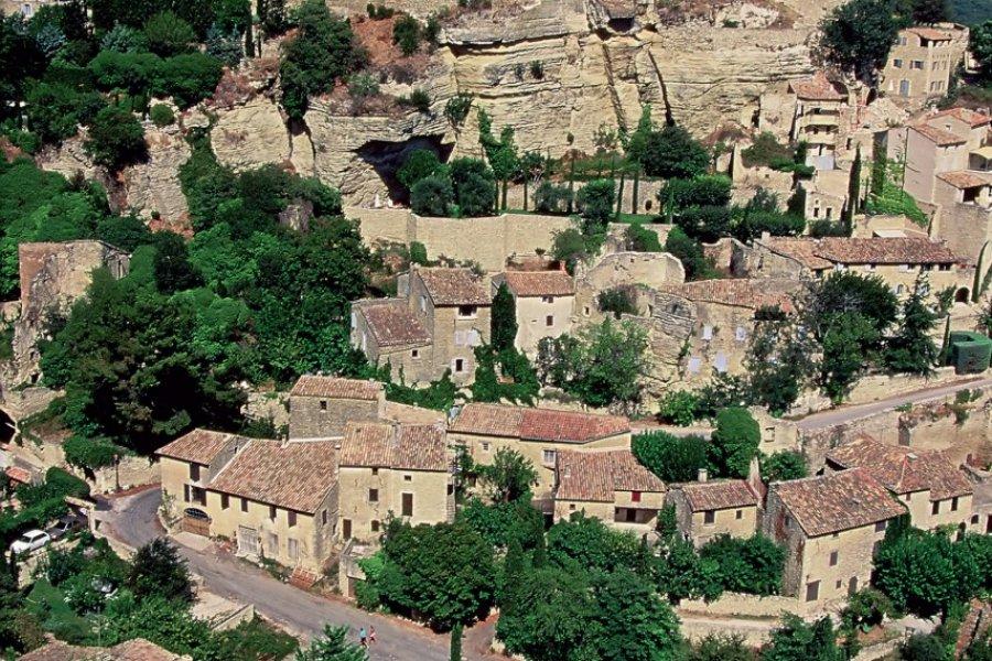 Le village de Gordes (© GABRIEL-CISCARDI - FOTOLIA))