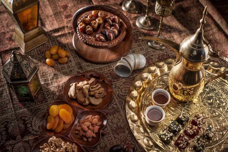 Café arabe. (© Joshua GM / Shutterstock.com))