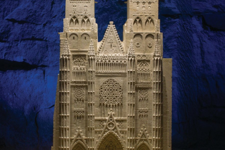 Cathédrale de Tours. (© Parc miniature pierre et lumière))