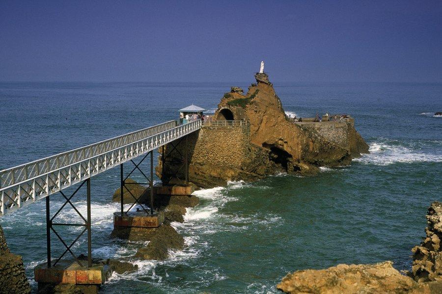 Le Rocher de la Vierge - Biarritz (© PHOVOIR))