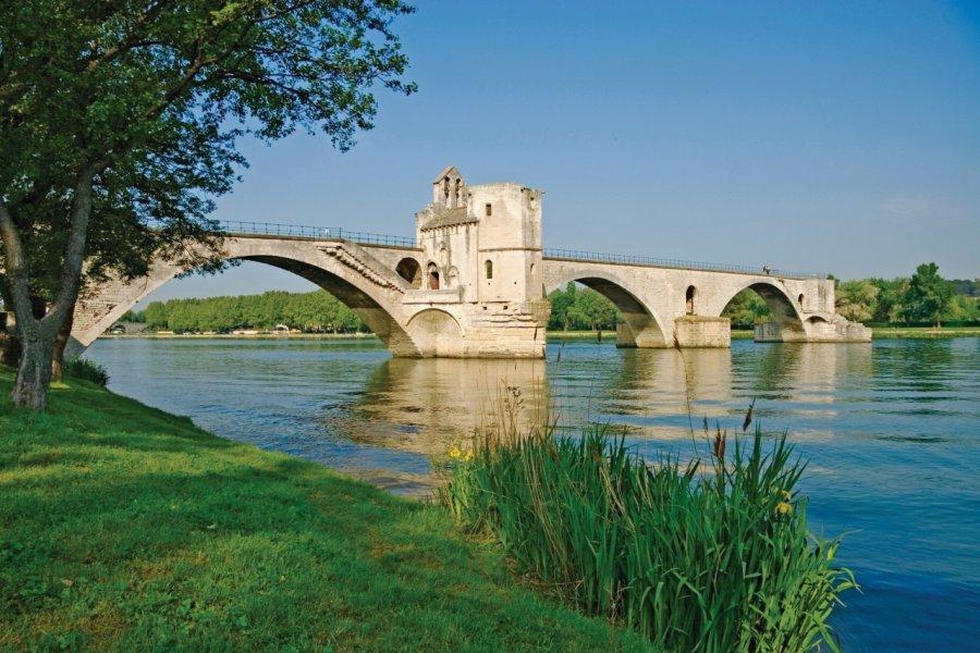 Pont St-Benezet à Avignon. (© AGE _ Photononstop))