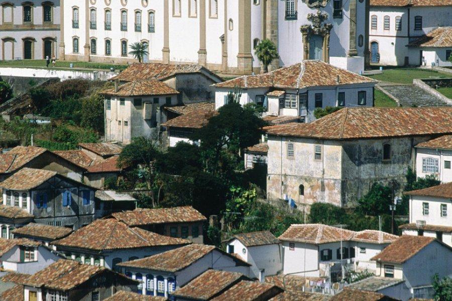 Ouro Preto et l'église Nossa Senhora do Carmo. (© Cesario DA FONSECA - Iconotec))