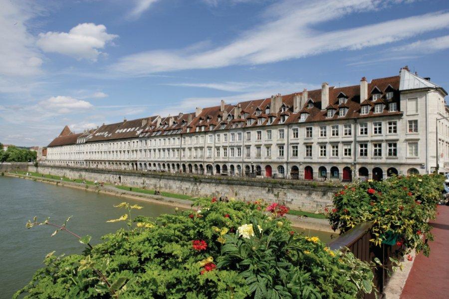 Les rives du Doubs et le quai Vauban (© RG. - Fotolia))
