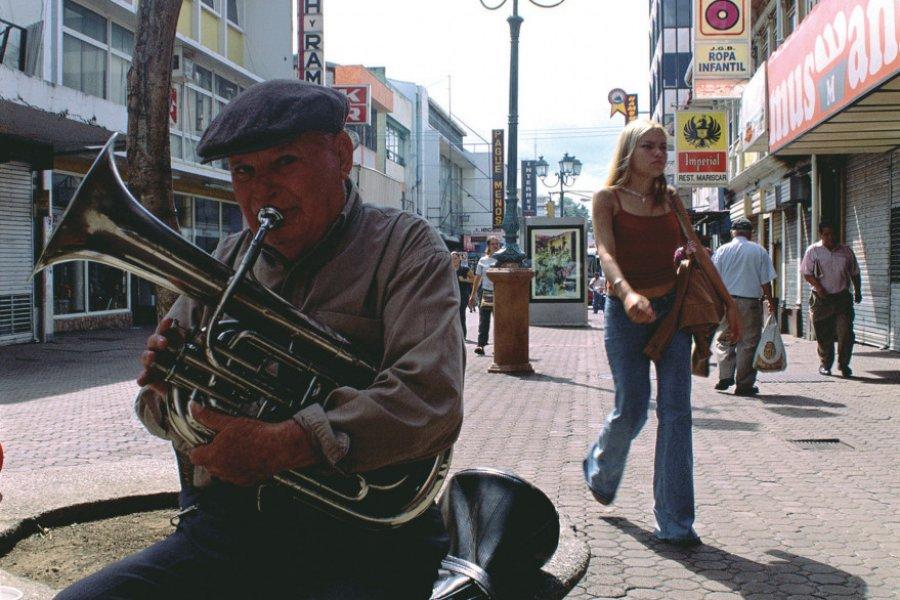 Musicien sur l'avenue Centrale de San José (© ICT (Institut Costaricien de Tourisme)))