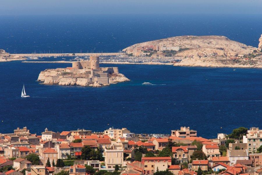 Le château d'If et les îles du Frioul (© Lawrence Banahan - Author's Image))