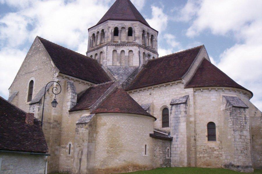 L'église de Laroche-Saint-Cydroine (© Josiane Maxel))