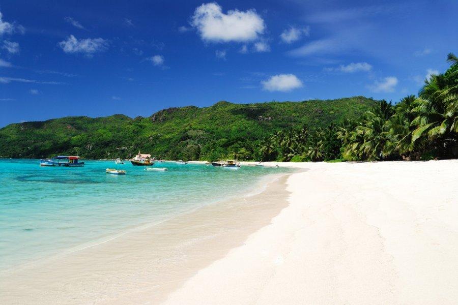 Anse Royale. (© Raymond Sahuquet - Office du tourisme des Seychelles))