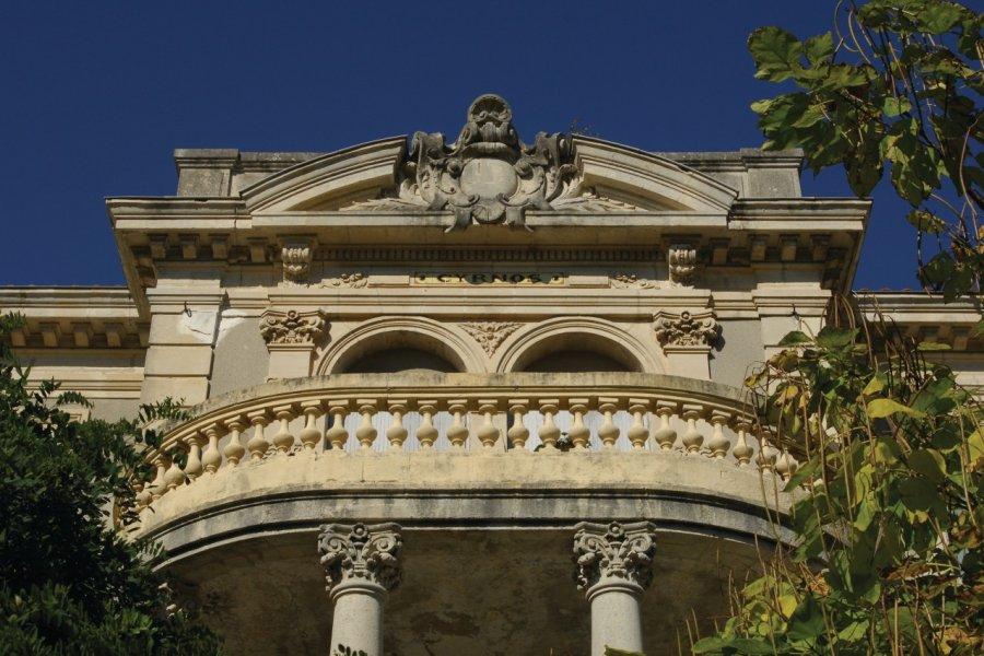 Le balcon de la villa Cyrnos dans la ville d'Hiver (© Jean-Michel Paris - Fotolia))