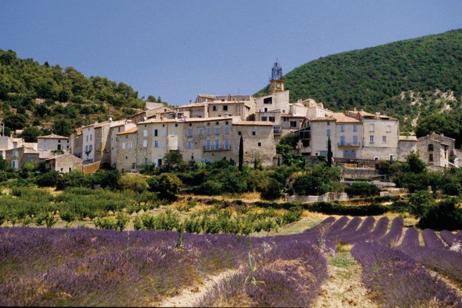 Village provençal (© VINCENT FORMICA))