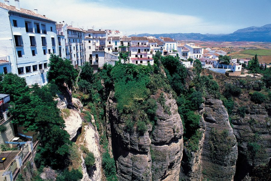 L'impressionnante gorge du Tajo divise la ville de Ronda en deux. (© Author's Image))