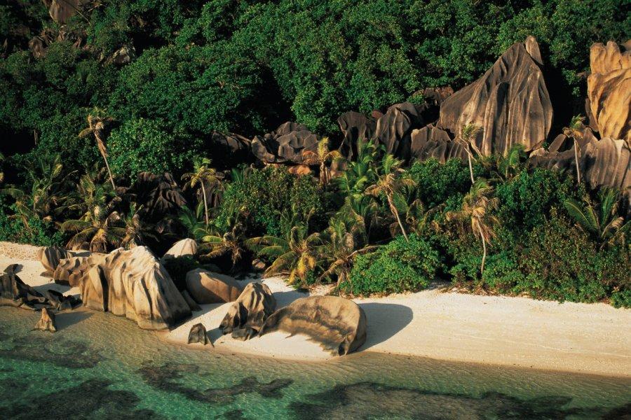 Les roches de granit de l'Anse Source d'Argent. (© Iconotec))