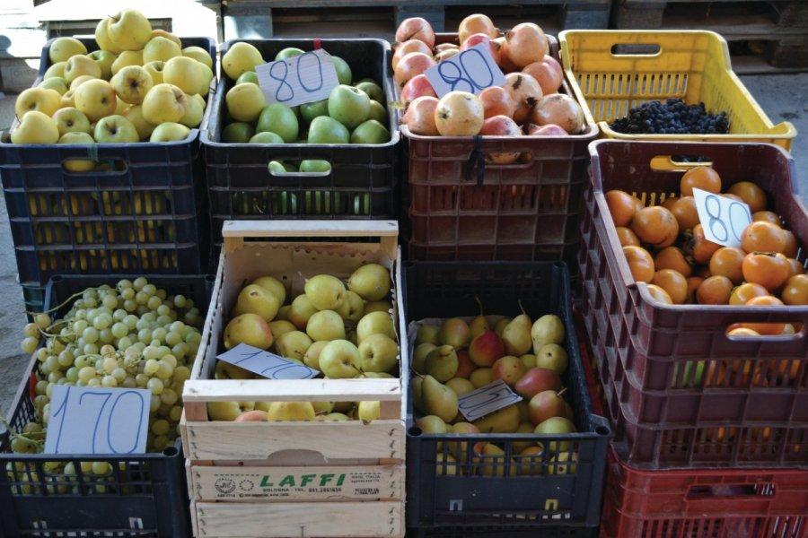 Légumes au marché de Fier. (© Céline CHAUDEAU))