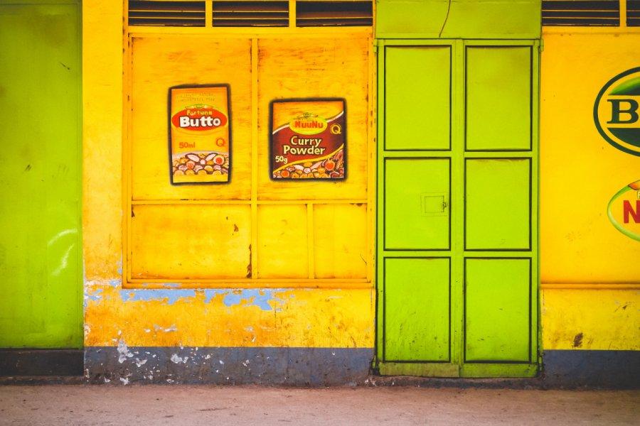 Façade colorée de Kabale. (© Stephanie Braconnier - Shutterstock.com))