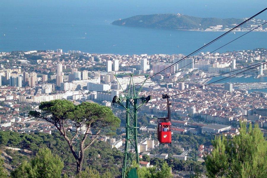 Téléphérique du mont Faron à Toulon (© JEROME DELAHAYE - FOTOLIA))