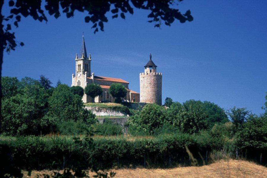 Eglise et tour du Crozet (© PHOVOIR))