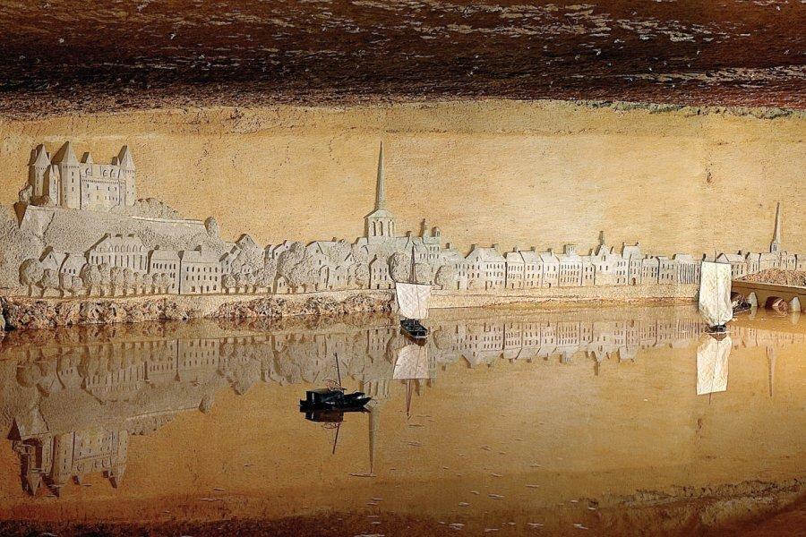 Panorama de la ville de Saumur. (© Parc miniature pierre et lumière))