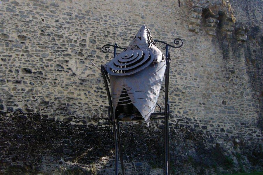 La sculpture Le Père Ubu de Maître Del'Aune (© Office de Tourisme du Pays de Laval))