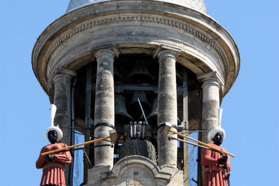 Les deux jacquemarts sur le campanile de l'hôtel de ville. (© Jackin / Adobe Stock))