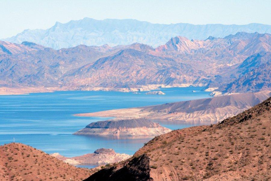 Le lac Mead fait 177 km de long et alimente Las Vegas en eau. (© Stéphan SZEREMETA))