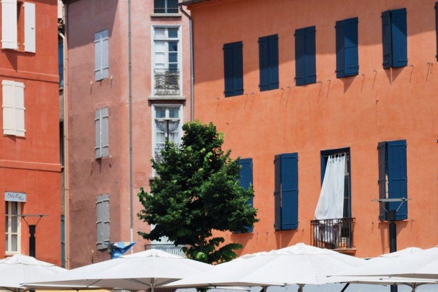 Terrasses à Perpignan (© Yvann K - Fotolia))