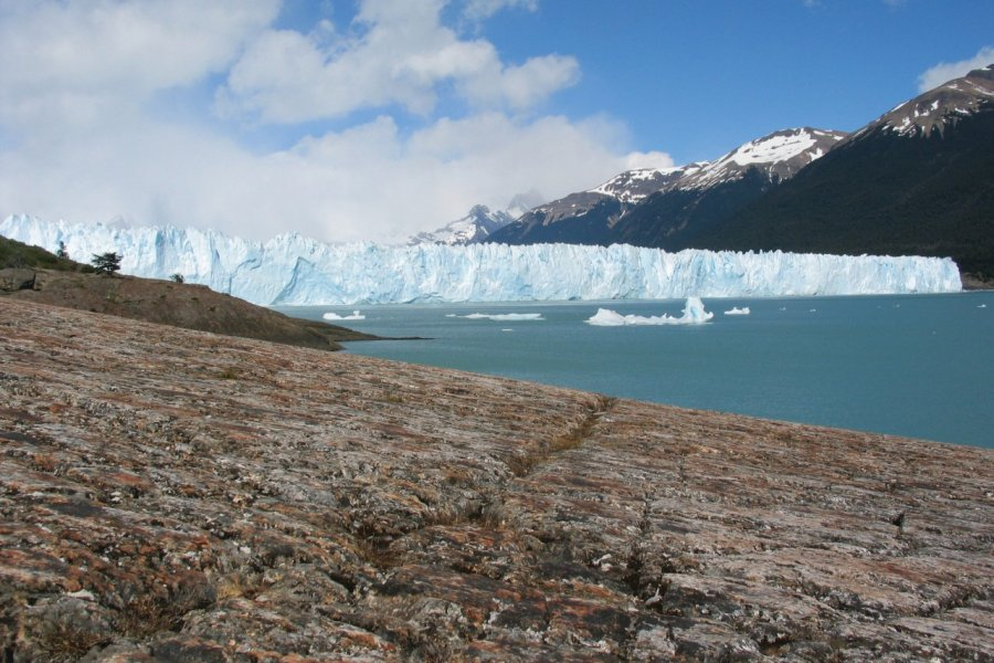 Glacier Perito Moreno. (© Arnaud Bonnefoy))